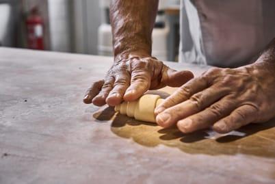 Croissant rolling